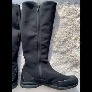 Salomon Uma II boots